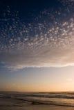 Puesta del sol azul imagenes de archivo