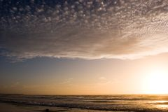 Puesta del sol azul foto de archivo libre de regalías