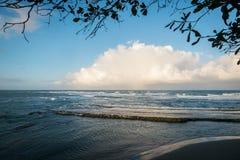 Puesta del sol azul en la República Dominicana imagen de archivo