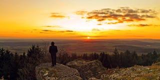 Puesta del sol bávara del invierno imagen de archivo