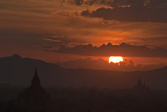 Puesta del sol Bagan Imagenes de archivo