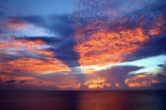 Puesta del sol, bahía de Agana, Guam Imagen de archivo