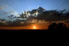 Puesta del sol brillante fotos de archivo libres de regalías
