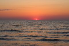 Puesta del sol brillante fotografía de archivo