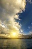 Puesta del sol brillante de la ciudad Imágenes de archivo libres de regalías