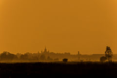 Puesta del sol brumosa Fotografía de archivo