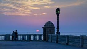 Puesta del sol Cádiz España de la caja de centinela fotografía de archivo