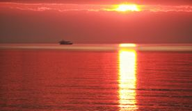 Puesta del sol caliente fotografía de archivo libre de regalías