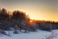 Puesta del sol caliente en invierno Imágenes de archivo libres de regalías