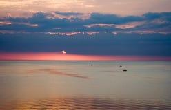 Puesta del sol colorida Fotografía de archivo