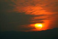 Puesta del sol colorida Fotos de archivo libres de regalías