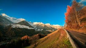 Puesta del sol colorida en el Valle Aurina Imagenes de archivo