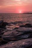 Puesta del sol colorida en la costa del golfo de Tailandia Fotografía de archivo