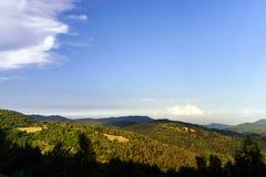 Puesta del sol colorida sobre las colinas en Alsacia Fotografía de archivo