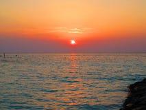 Puesta del sol con colores Imágenes de archivo libres de regalías
