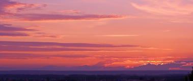 Puesta del sol con colores perfectos Imagen de archivo
