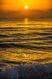 Puesta del sol con el barco Imagenes de archivo