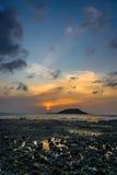 Puesta del sol con la isla de Biyangdo Foto de archivo libre de regalías