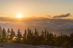 Puesta del sol con la nube Imagen de archivo libre de regalías