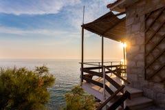 Puesta del sol con la opinión del mar Foto de archivo libre de regalías