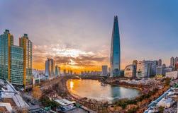 Puesta del sol crepuscular en el río Han Seul Corea Foto de archivo