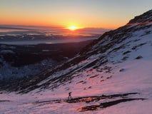 Puesta del sol de Anchorage con tapa llana, Alaska Imagenes de archivo