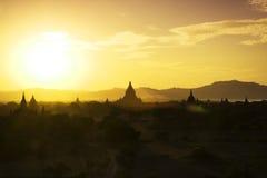 Puesta del sol de Bagan Imagen de archivo