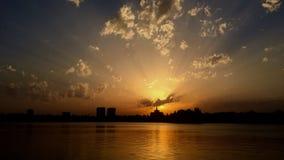 Puesta del sol de Bucarest Fotos de archivo libres de regalías