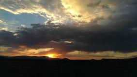 Puesta del sol de Cali fotografía de archivo