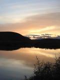 Puesta del sol de California sobre la charca Foto de archivo libre de regalías