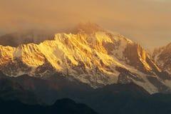 Puesta del sol de Chaukhamba, garhwal, la India foto de archivo libre de regalías