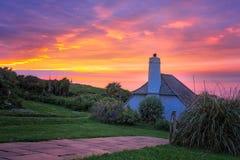 Puesta del sol de Cornualles colorida Imagenes de archivo