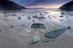 Puesta del sol de la bahía de Fishguard Foto de archivo