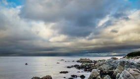 Puesta del sol de la bahía de Monterey almacen de video