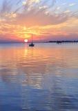 Puesta del sol de la bahía de Pensacola imagen de archivo libre de regalías