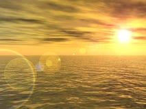 Puesta del sol de la flama en el océano Fotografía de archivo libre de regalías