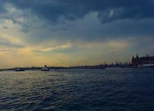 Puesta del sol de la garganta de Estambul Foto de archivo libre de regalías