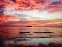 Puesta del sol de la isla foto de archivo libre de regalías