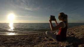 Puesta del sol de la magia de la película de la chica joven metrajes