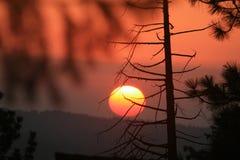 Puesta del sol de la montaña Imagen de archivo