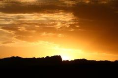 Puesta del sol de la montaña Imagen de archivo libre de regalías