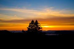 Puesta del sol de la montaña Foto de archivo libre de regalías