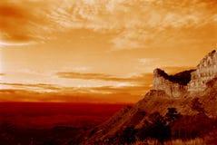 Puesta del sol de la montaña del desierto imagen de archivo libre de regalías