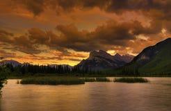 Puesta del sol de la montaña rocosa Fotografía de archivo libre de regalías
