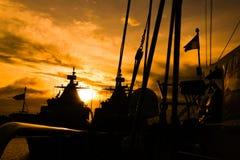 Puesta del sol de la nave Fotos de archivo libres de regalías
