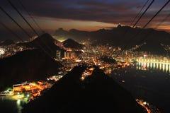 Puesta del sol de la noche de la ciudad de la góndola de Río de Janerio Foto de archivo libre de regalías