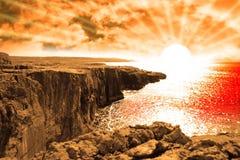 Puesta del sol de la opinión del borde del acantilado de Clare Fotos de archivo libres de regalías