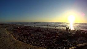 Puesta del sol de la playa de CARDIFF de la carretera 101 de California almacen de video