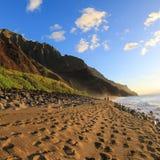 Puesta del sol de la playa de Kalalau Imagenes de archivo