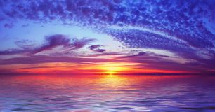 Puesta del sol de la playa de la bahía Fotos de archivo